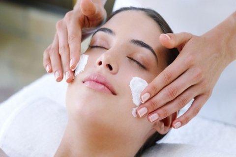 Facial Treatment: 30 ($35), 45 ($45) or 60 Minutes ($59) at Holy Nails & Spa Salon (Up to...