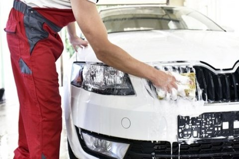 Standard Hand Wash ($11) or Deluxe Car Wash with Hand Polish ($45) at Speed Car Wash (Up...